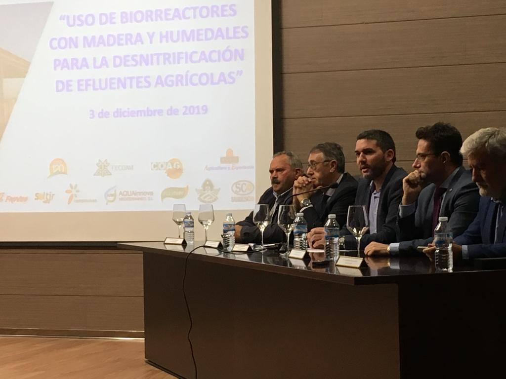 El consejero, Antonio Luengo, inaugura la jornada organizada por la Cátedra de Agricultura Sostenible de la Universidad Politécnica de Cartagena y la Consejería sobre desnitrificación del agua. Imagen: CARM
