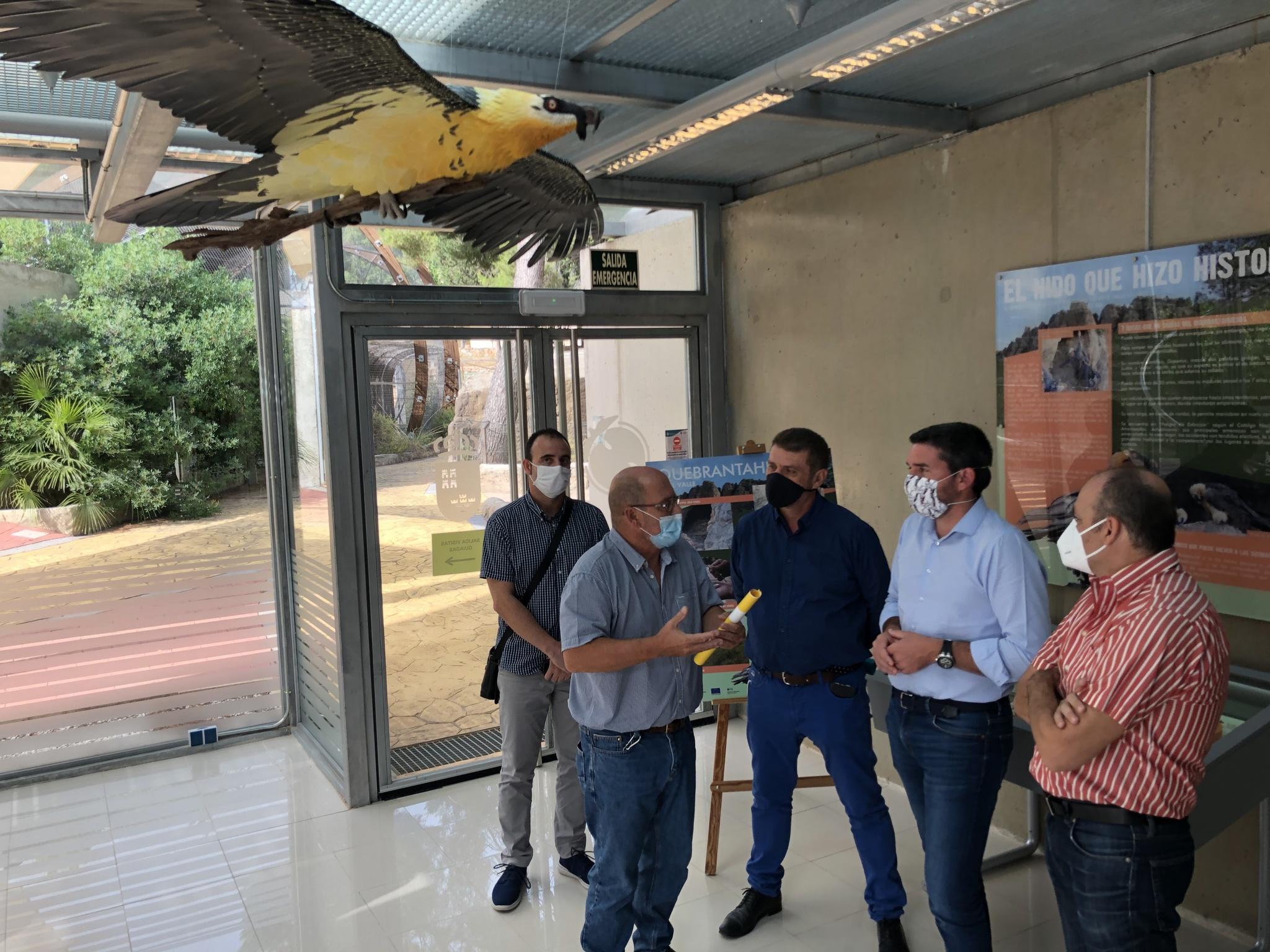 Inauguración del módulo expositivo sobre el histórico nido de quebrantahuesos de la Sierra de El Valle Carrascoy. Imagen: CARM