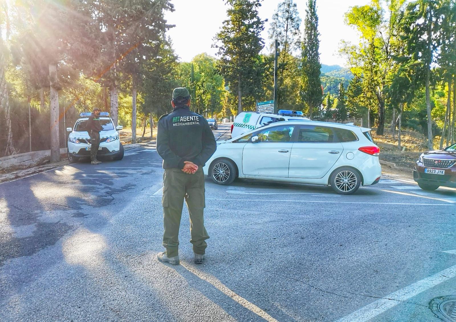 Agentes Medioambientales de la Comunidad realizan tareas de control de accesos al Parque Regional de El Valle y Carrascoy. Imagen: CARM