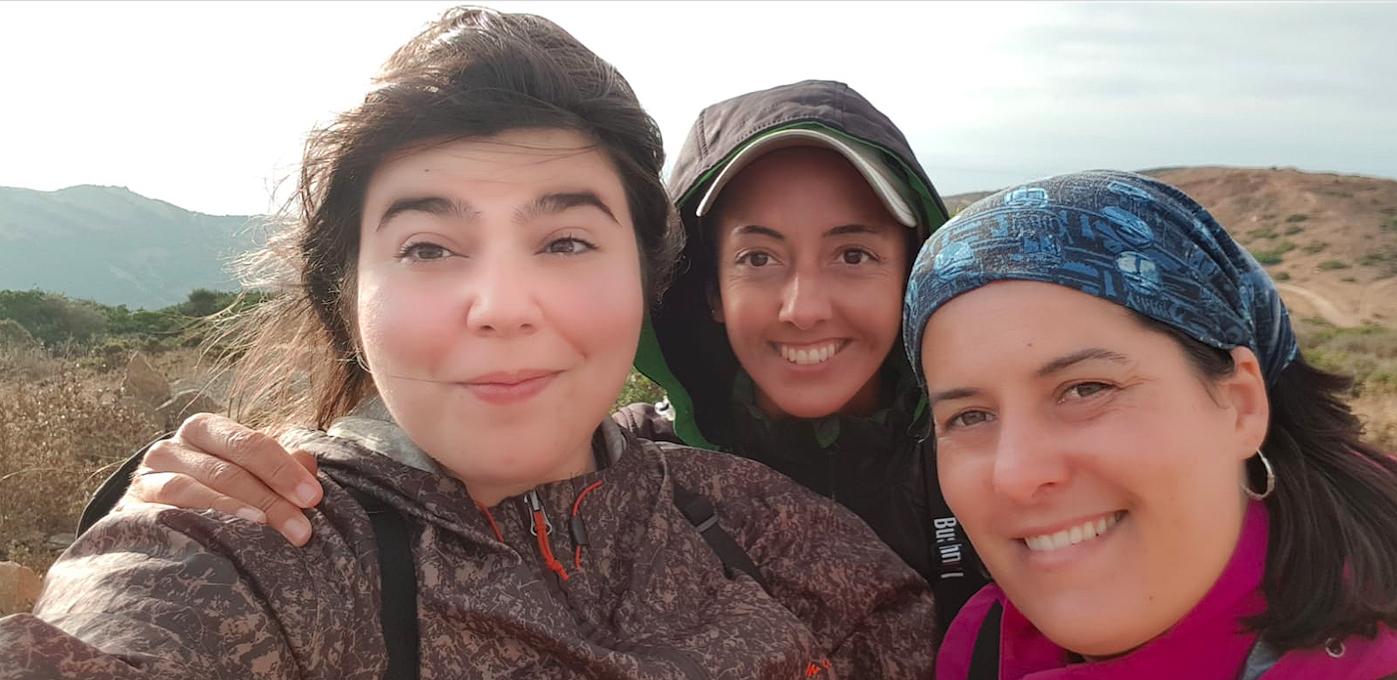 Las tres voluntarias hoy, en las Antenas y en Sierra Carbonera