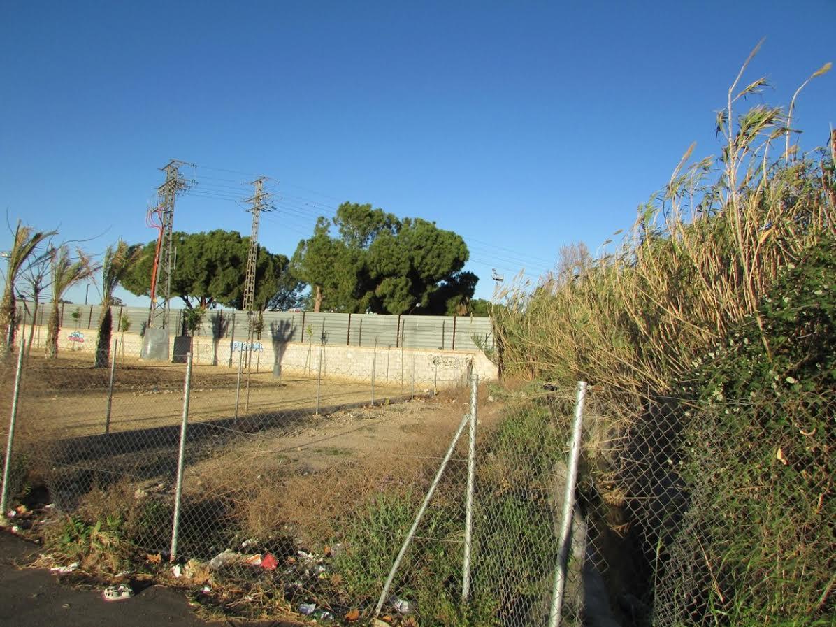 Acequia vallada en el Palmeral. Imagen: Huermur