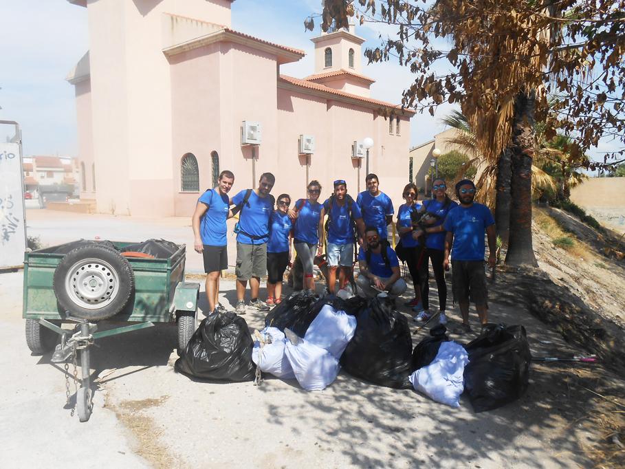 Limpieza en El Garruchal. Con Decathlon Cartagena y Adesga.