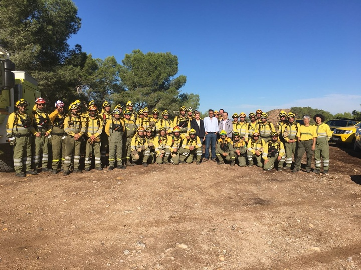 Las cuatro brigadas forestales que han participado en el ejercicio de formación. Imagen CARM