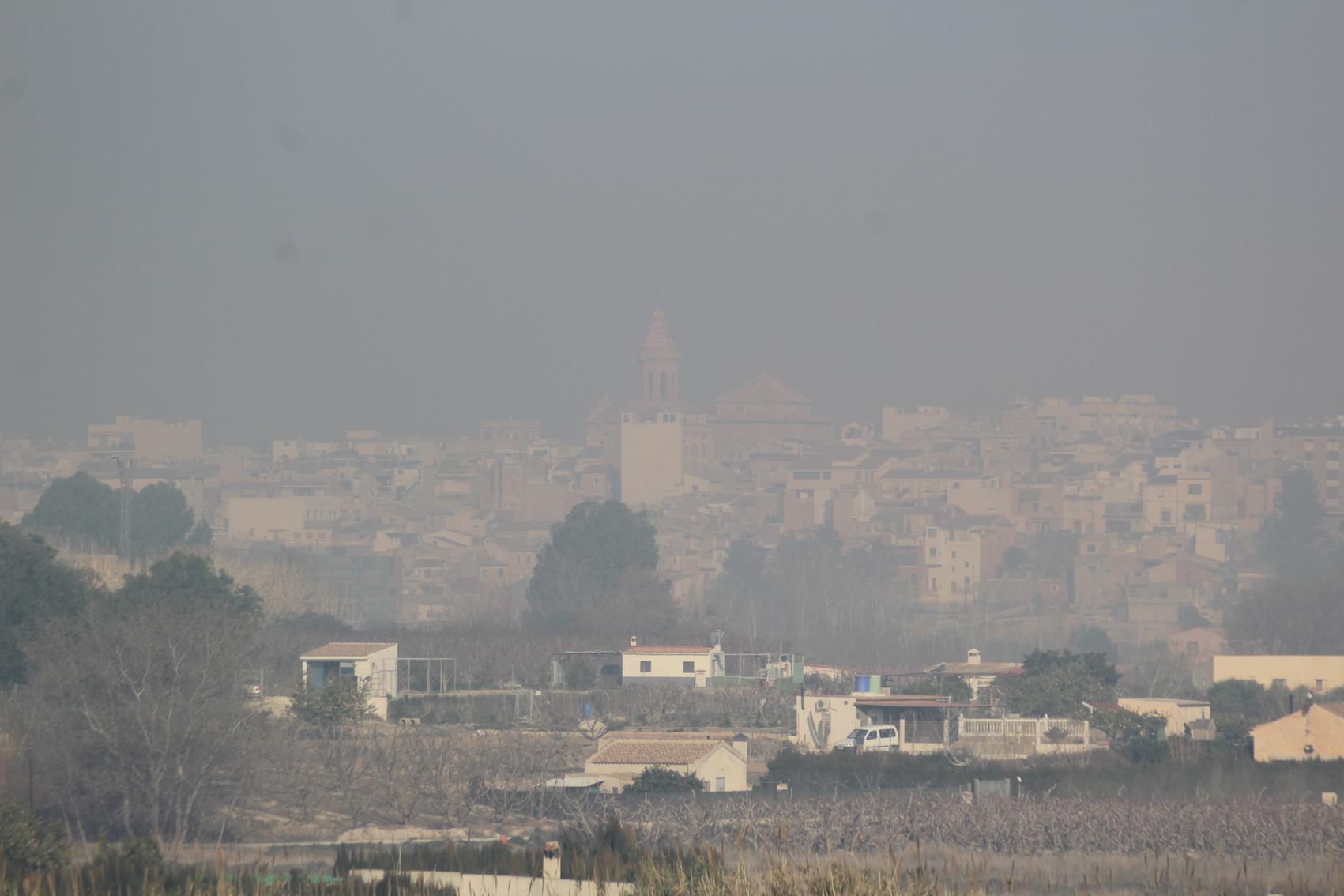 La capa de humo, en la ciudad. Imagen: EEA