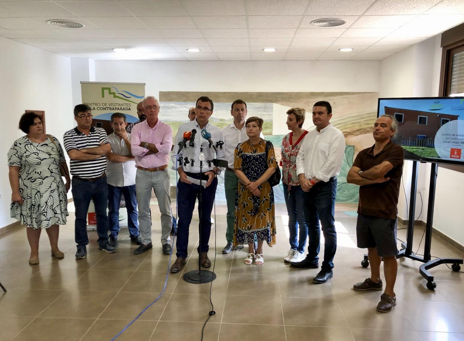 El alcalde de Murcia, José Ballesta, y el concejal de Urbanismo, Medio Ambiente y Huerta, Antonio Navarro, presentaron ayer el proyecto. Imagen: Ayto. de Murcia