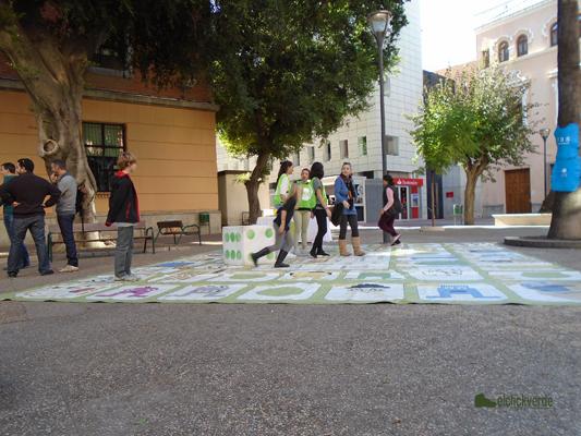 La asociación Región de Murcia Limpia y su 'Juego de la oca y el reciclaje'