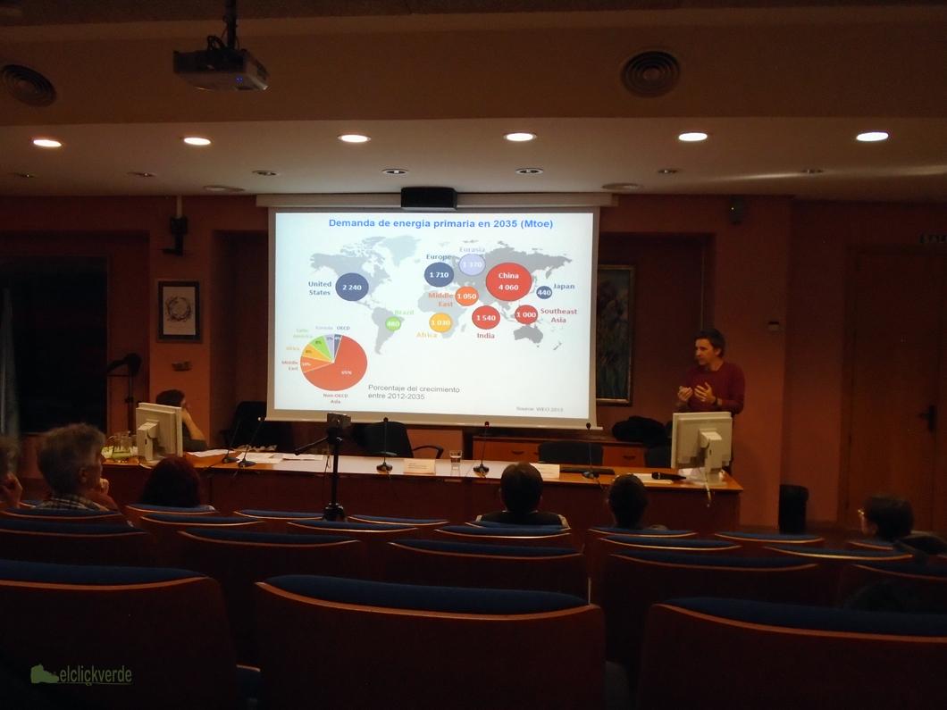 Antonio Urbina ha impartido la conferencia 'Empleo, ahorro económico y renovables'.
