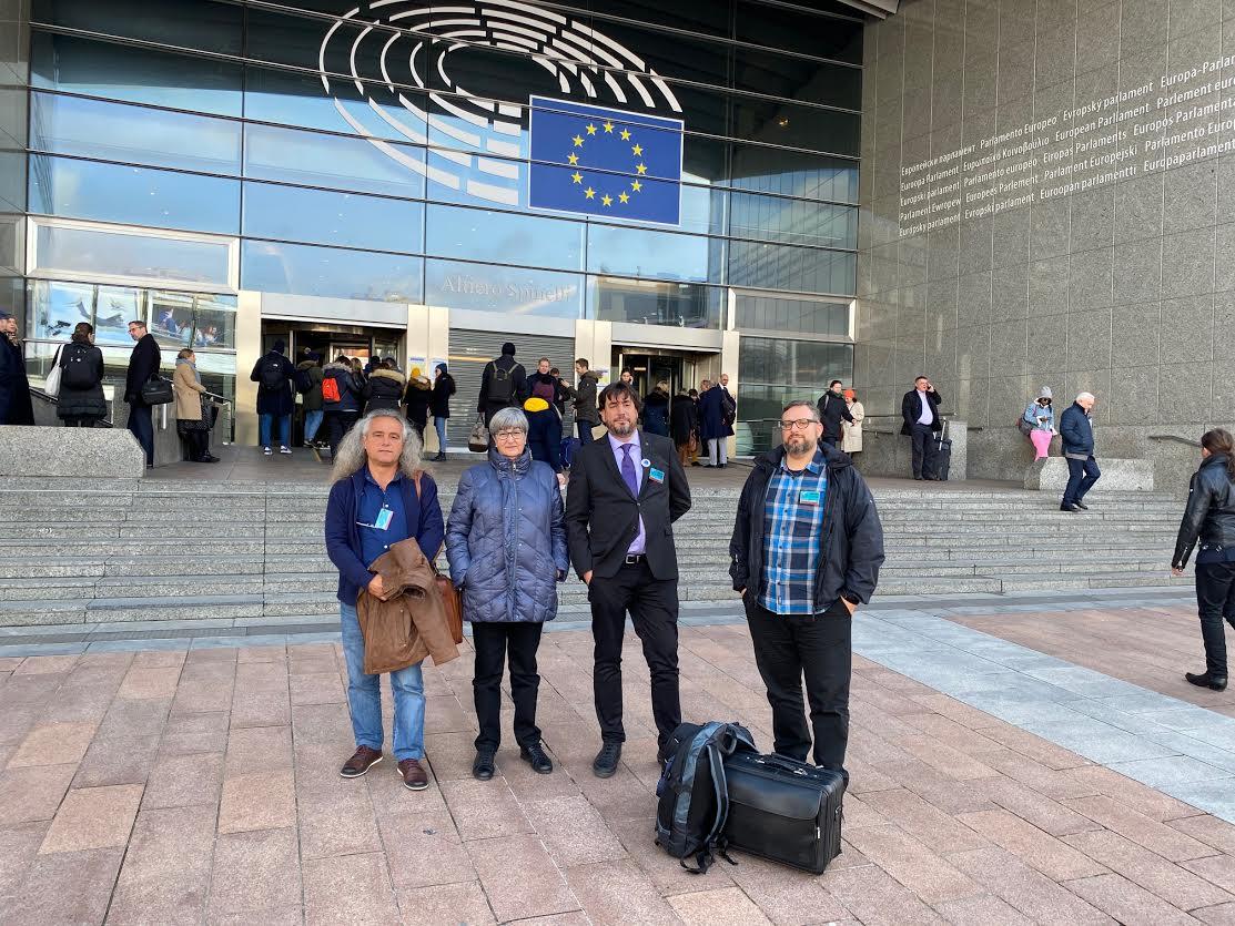 Pedro García, de ANSE; Isabel Rubio y Eduardo Salazar, de Pacto por el Mar Menor; y Pedro Luengo, de Ecologistas en Acción, en Bruselas. Imagen: Pacto por el Mar Menor