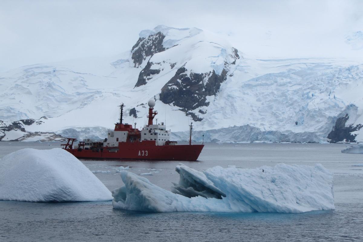 El buque de investigación Hespérides. Imagen: UPCT