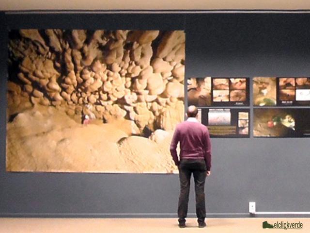 Exposición sobre la Sima de La Higuera ©ecv