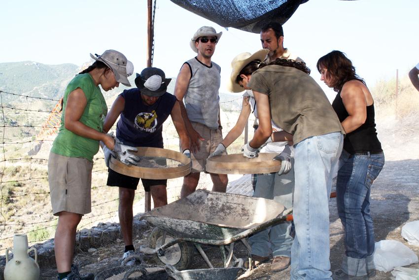 Campo de Trabajo y Juventud y IV curso de Arqueología Hisn Siyâsa.