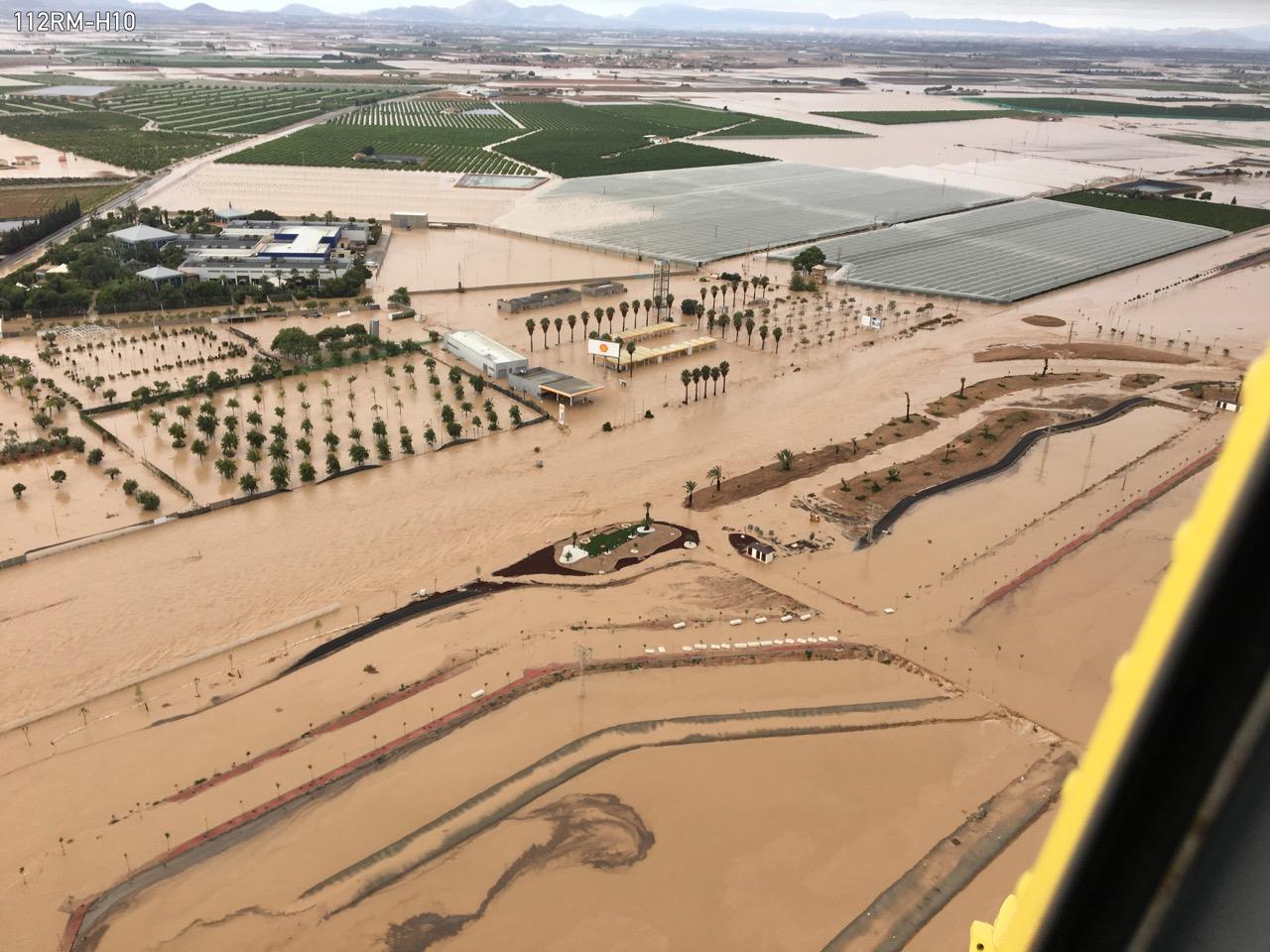 Vista de Los Alcázares la mañana del día 12, desde un helicóptero de la Dirección General de Seguridad Ciudadana y Emergencias. Imagen: 112
