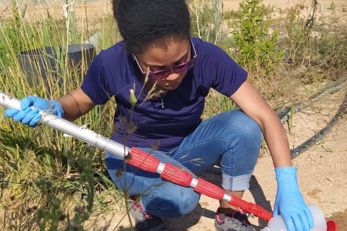 Angélica Terrero, durante el trabajo de campo para su Tesis. Imagen: UPCT