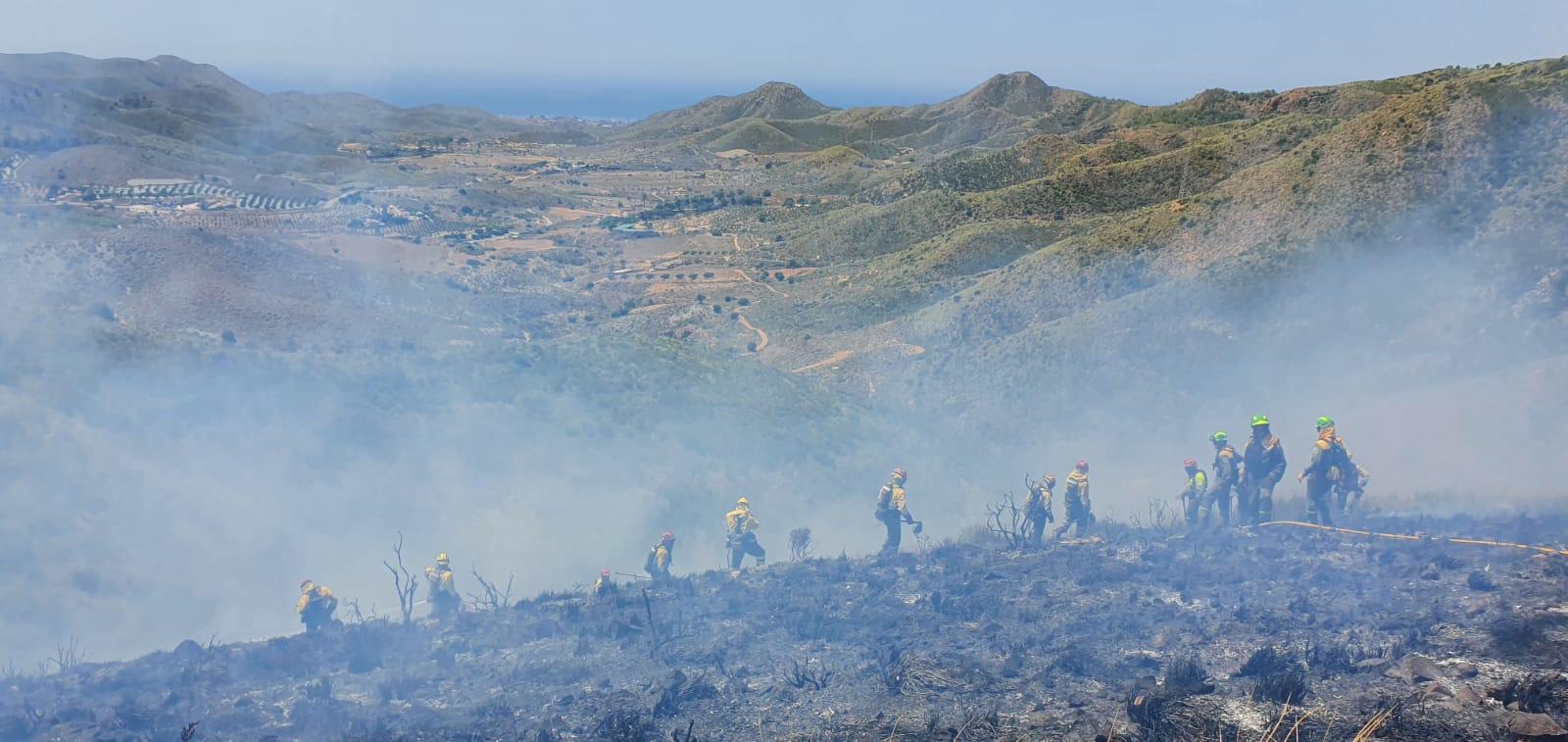 Un total de 70 efectivos adscritos al Plan Infomur 2020 han estado trabajando en la zona del fuego. Imagen: 112