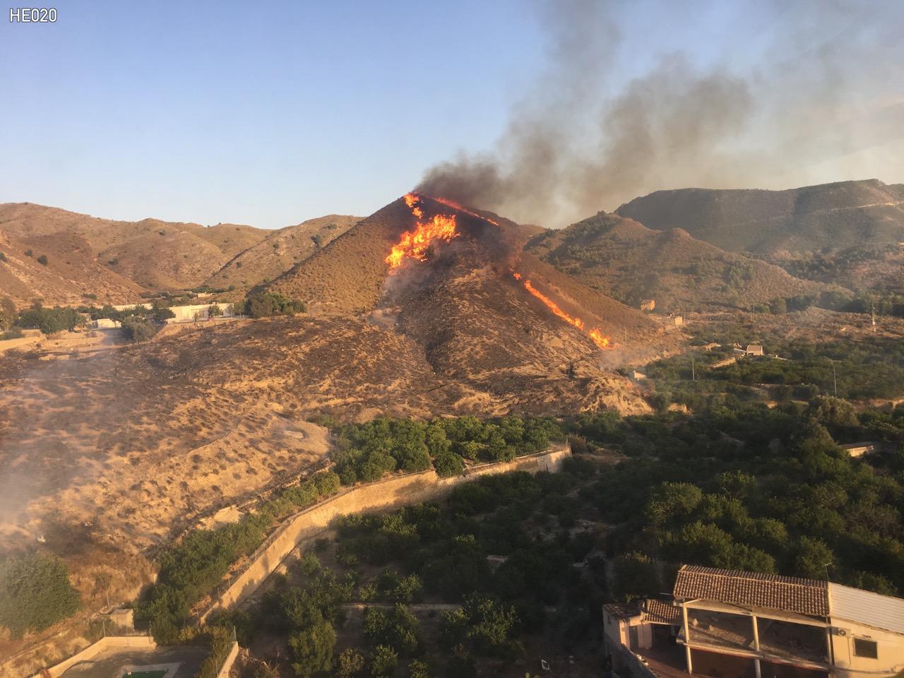 Incendio de Cañada Isidro, viso desde helicóptero. Imagen: 1-1-2