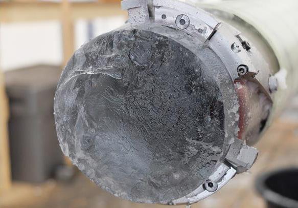 Sondeo de hielo en Groenlandia analizado en el estudio. Imagen: Niccolo Maffezoli / CSIC