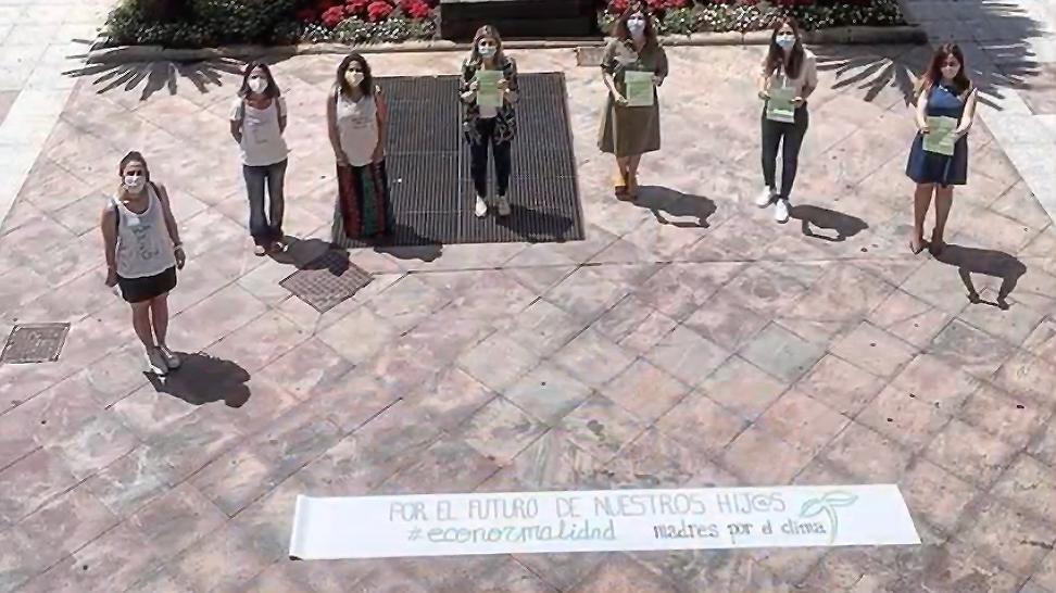 Fotograma del vídeo Voces, de Madres por el Clima