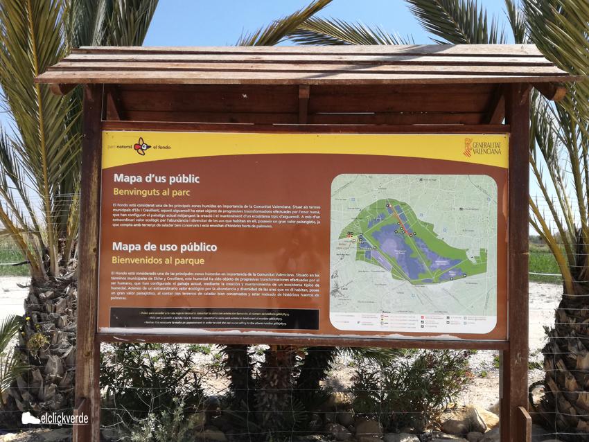 Cartel con el mapa de Parque Natural de El Hondo. El centro de visitantes está en el término municipal de Crevillent, muy cerca de la pedanía de San Felipe Neri (Alicante)