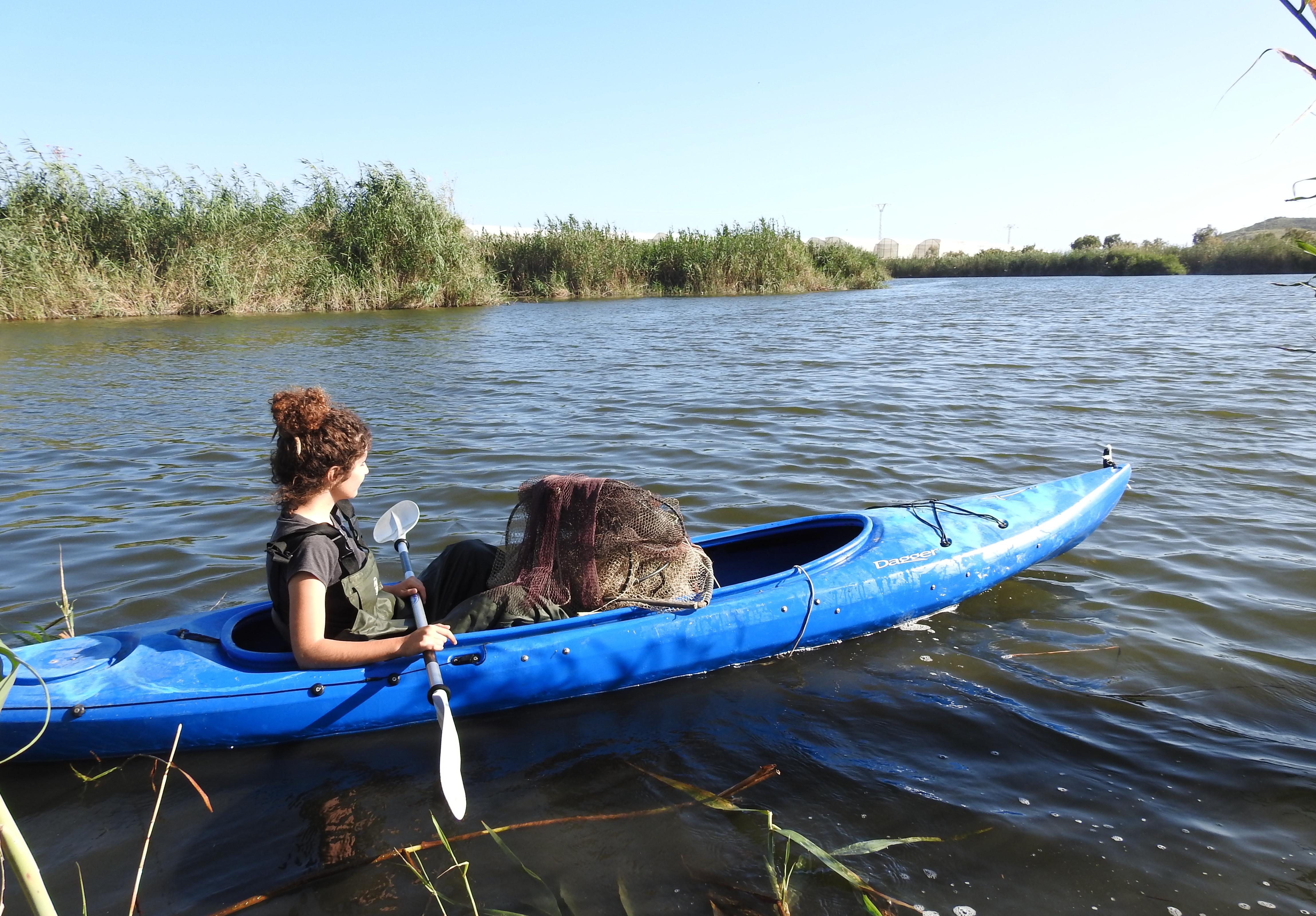 Muestreo en la Laguna de las Moreras. Imagen: Antonio Zamora/ANSE