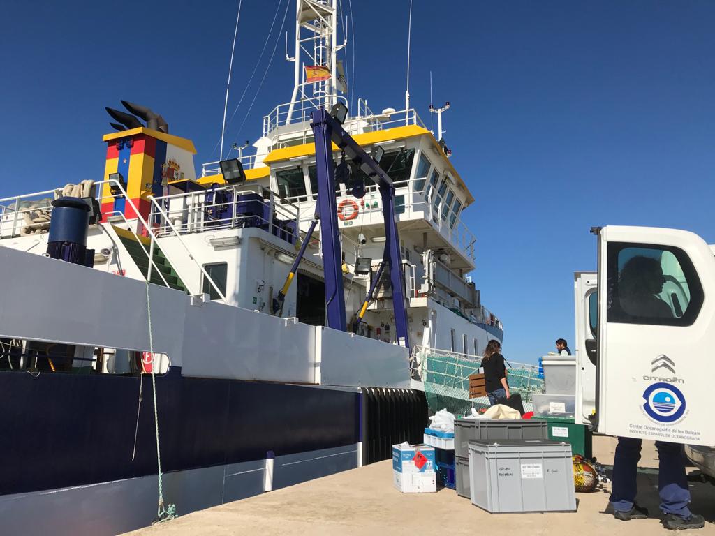 Preparativos de una nueva campaña del proyecto LIFE Intemares del Instituto Español de Oceanografía (IEO). Imagen: IEO