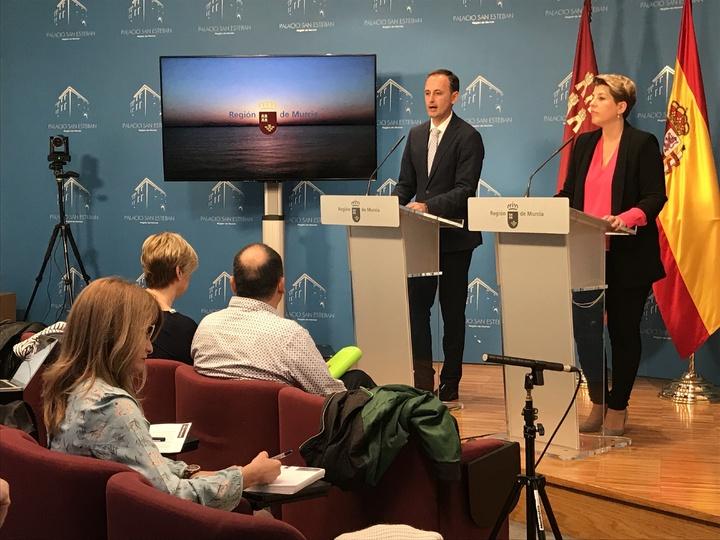 El consejero de Turismo, Cultura y Medio Ambiente, Javier Celdrán, ha presentado hoy al Consejo de Gobierno el Plan de Gestión Integral de los Espacios Protegidos Mar Menor y Franja Litoral Mediterránea de la Región de Murcia. Imagen: CARM