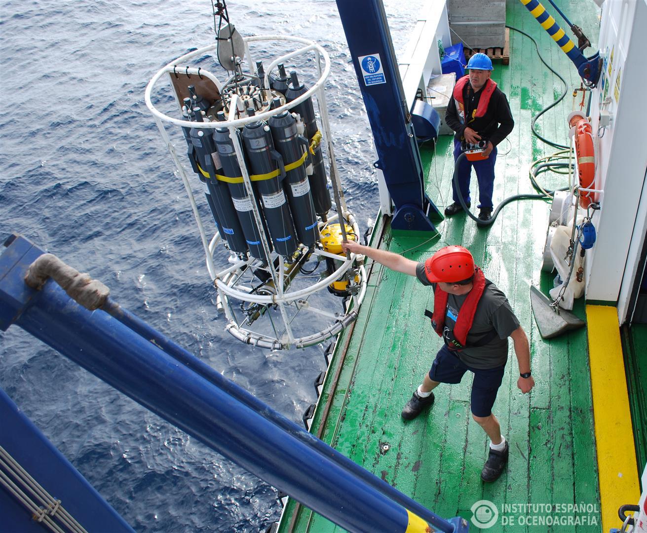 La roseta oceanográfica es el instrumento estrella de la oceanografía. Imagen: IEO
