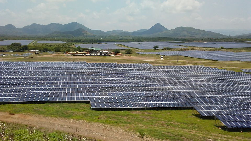 Aliente propone una transición energética justa, basada en la generación renovable distribuida. Imagen: Pixabay