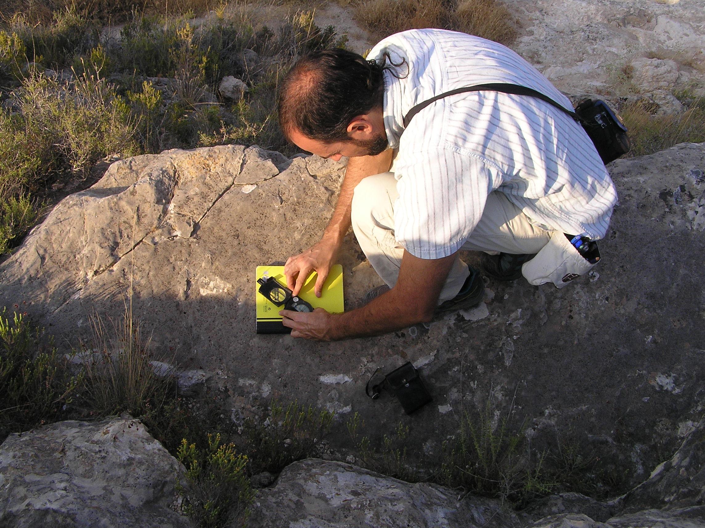 Los trabajos están siendo realizados por geólogos de la empresa GeaLand Patrimonio.